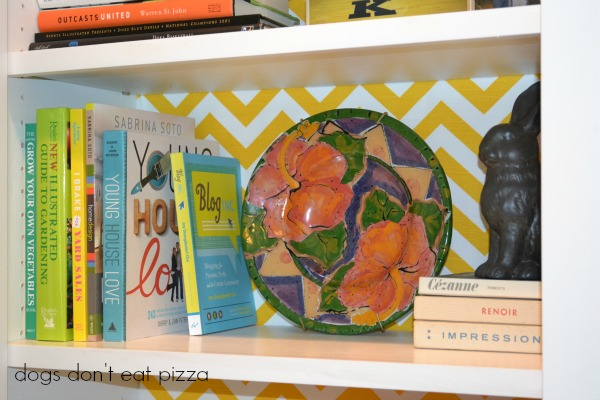 my favorite shelf, how-to,attaching fabric, inexpensive materials, easy weekend project, decor change-up