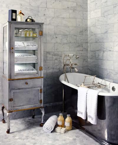 Parisian-tub-bath - Mohawk Homescapes