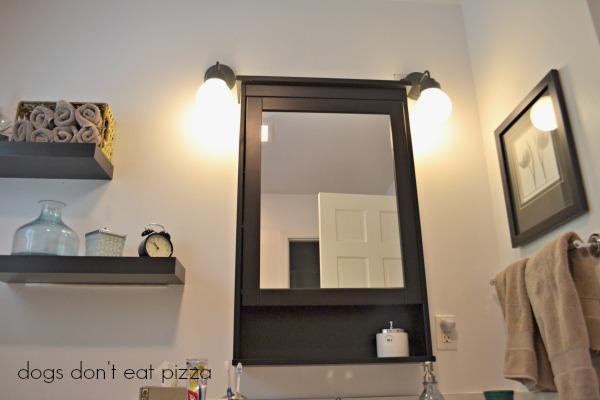 black-and-white-Parisian-bath - Mohawk Homescapes