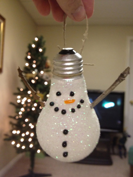 lightbulb snowman - DIY ornaments - Mohawk Homescapes