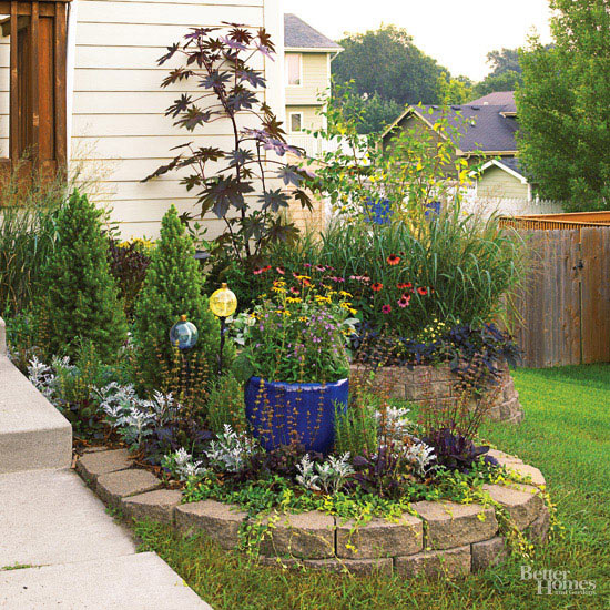 color in small garden bed - homes and gardens using color - Mohawk Homescapes