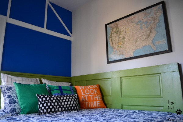 daybed in corner in bright green - homes and gardens using color- Mohawk Homescapes