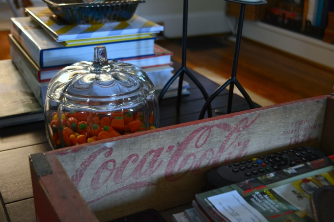 Coke crate - vintage decorating ideas on a budget - Mohawk Homescapes