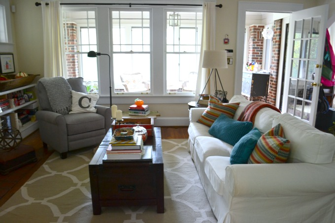 Living room with fall accents - Mohawk Homescapes