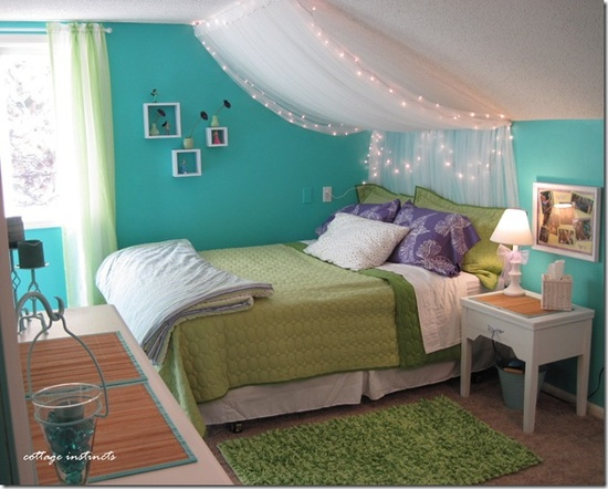 Turquoise teen girl room with rug by bed - how to arrange furniture around an area rug - Mohawk Homescapes