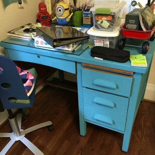 Five ways to get rid of unwanted clutter when organizing your home - dogsdonteatpizza.com