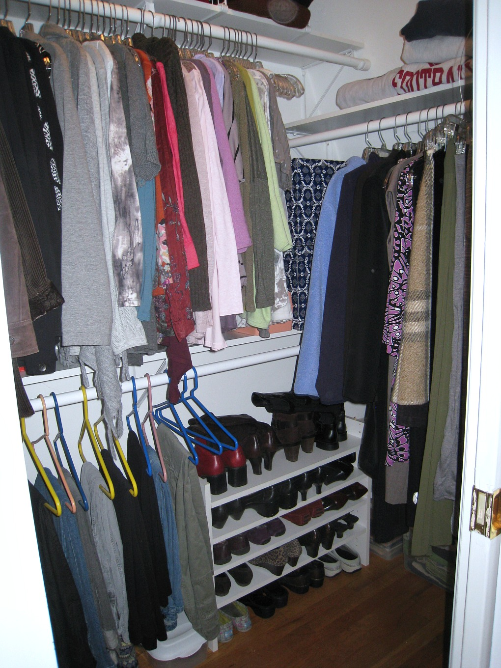 How to get an organized closet in one afternoon! TheDIYBungalow.com