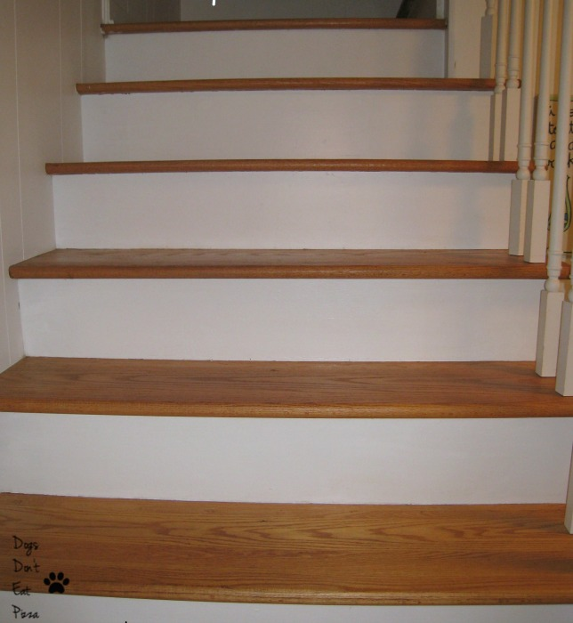 bare stairs before - thediybungalow.com
