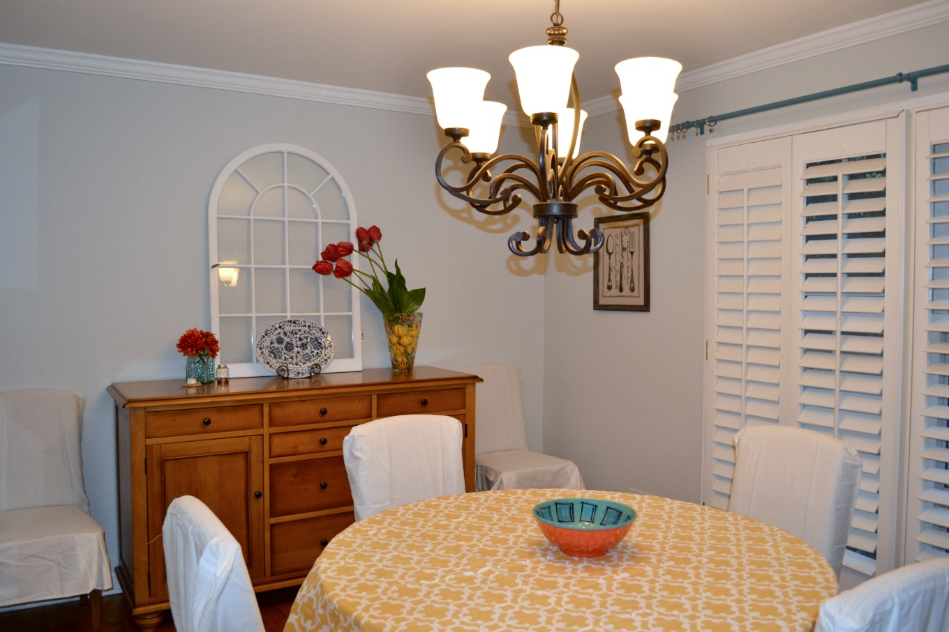 This dining room needs something - DIY custom curtains with a Sharpie - thediybungalow.com