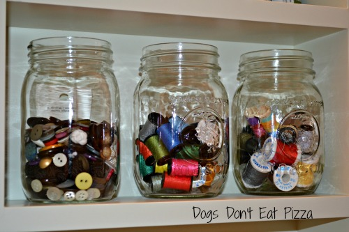 buttons and thread in mason jars at thediybungalow.com