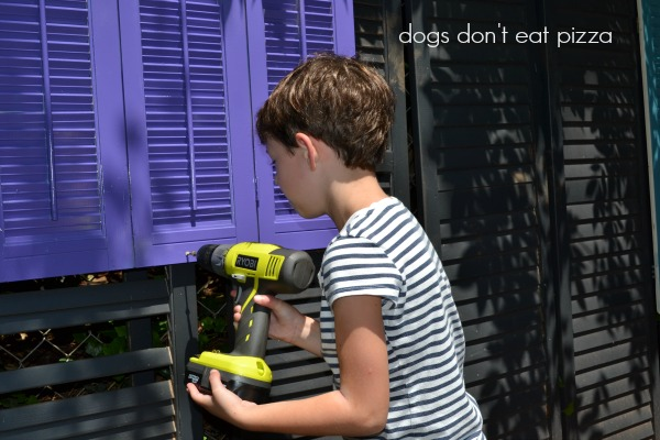 Shutters into a privacy screen is a great way to introduce using tools to kids - thediybungalow.com