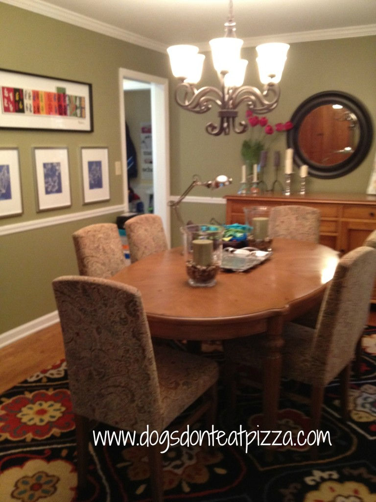 The dining room before the dining room reveal - thediybungalow.com