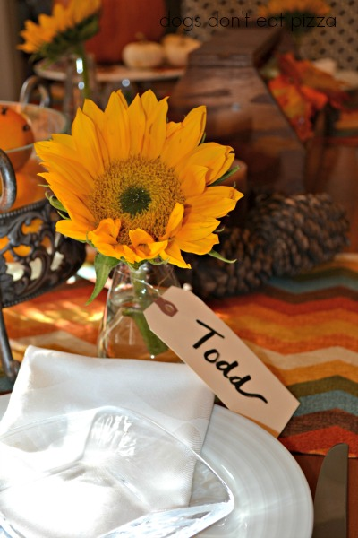 Sunflowers make festive, colorful place card holders to bring natural elements to your Thanksgiving table - thediybungalow.com