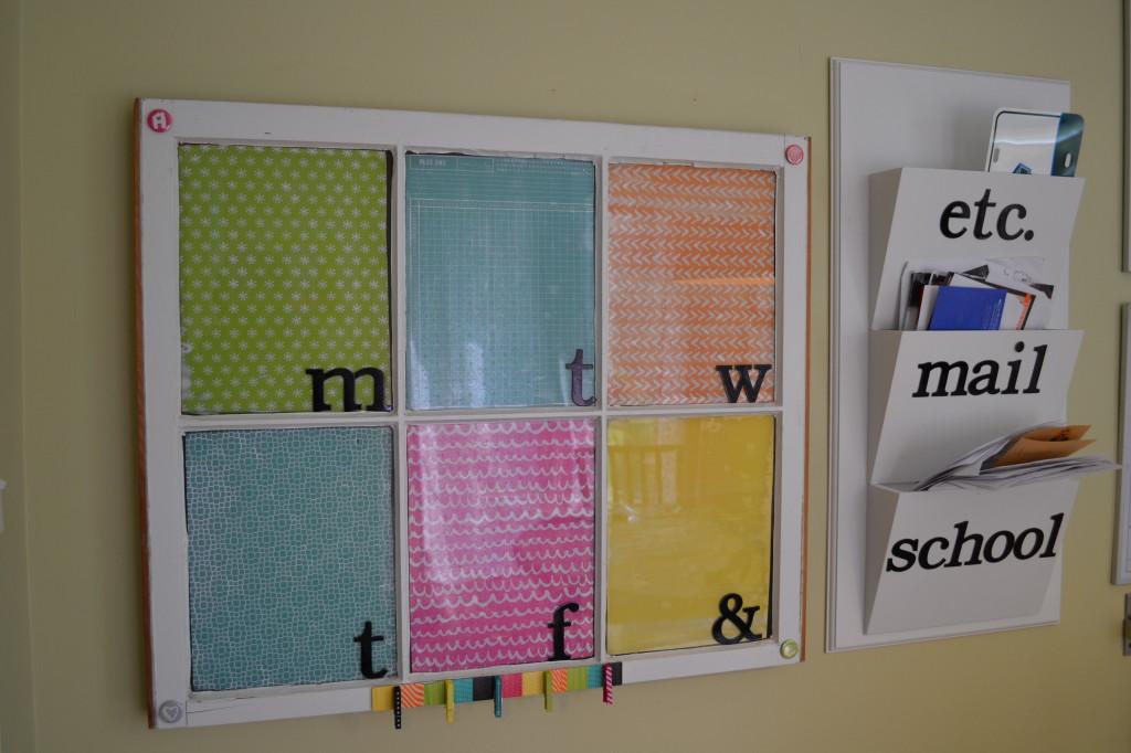 Repurposed window into memo board - thediybungalow.com