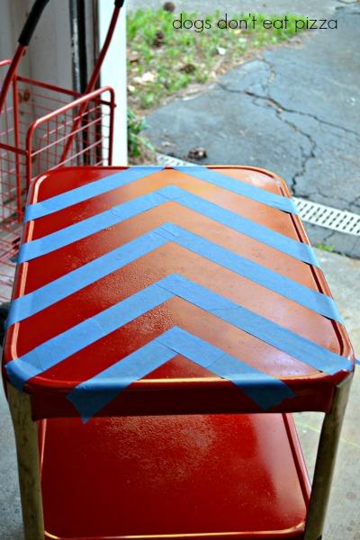 Industrial kitchen cart into bar cart - thediybungalow.com