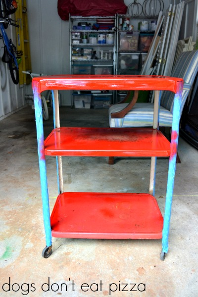 Industrial kitchen cart into bar cart - thediybungalow.com