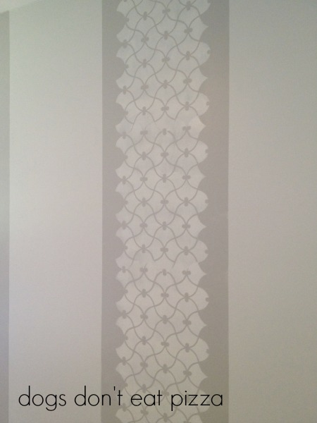 Stencil work in stripe on accent wall - thediybungalow.com
