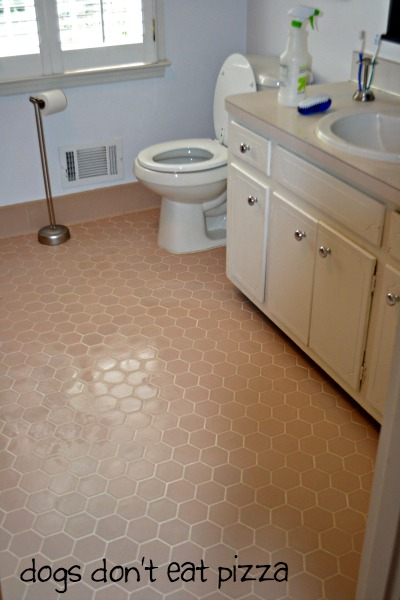 Best all-natural way to clean grout - thediybungalow.com