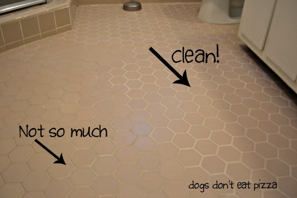 The best all-natural way to clean grout - thediybungalow.com