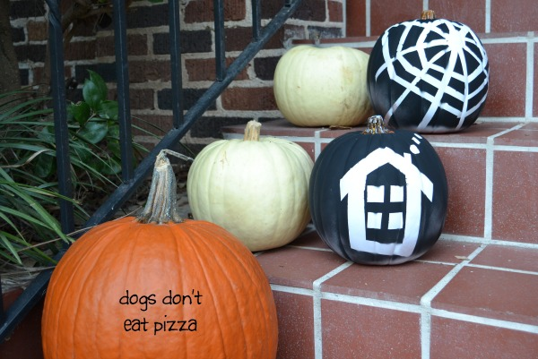 Finished painted pumpkins on porch / how to dress up craft store pumpkins for Halloween / thediybungalow.com