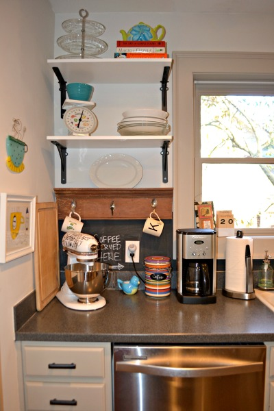 corner open shelving - kitchen - thediybungalow.com