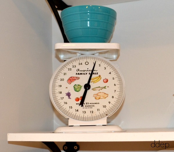vintage kitchen scale - kitchen - thediybungalow.com