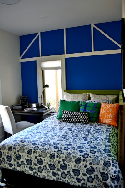 Finished guest room before and after - thediybungalow.com
