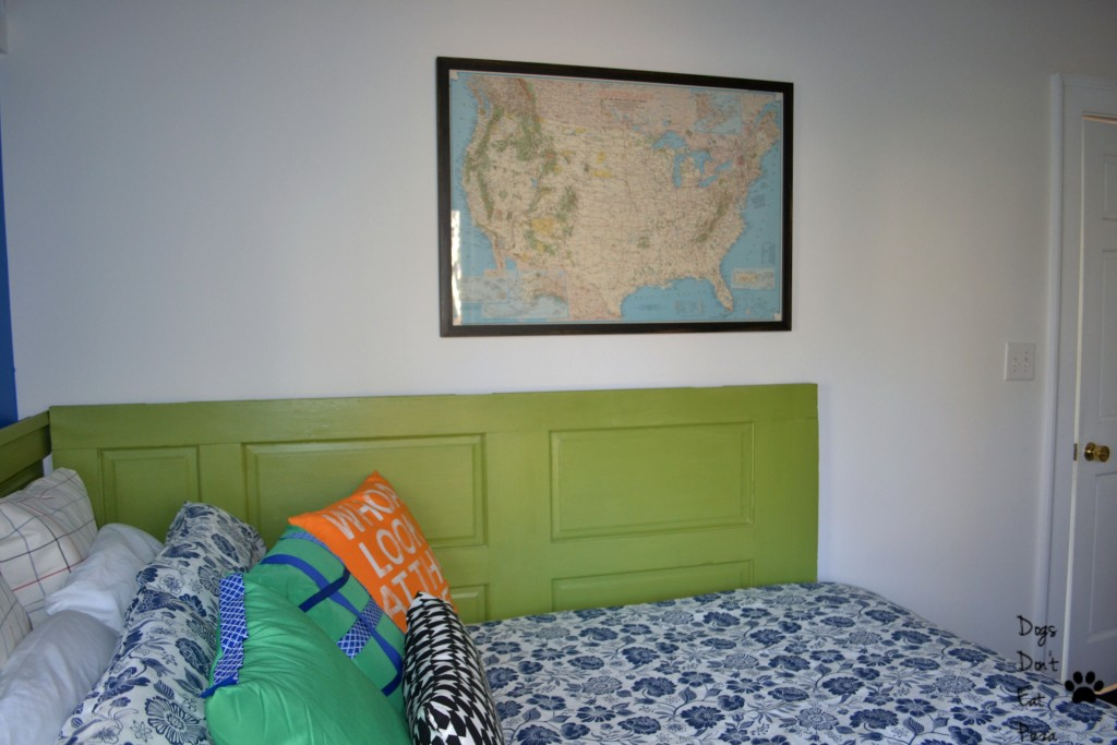 A fun Vacationlands of the US map is the perfect touch in the guest room before and after - thediybungalow.com