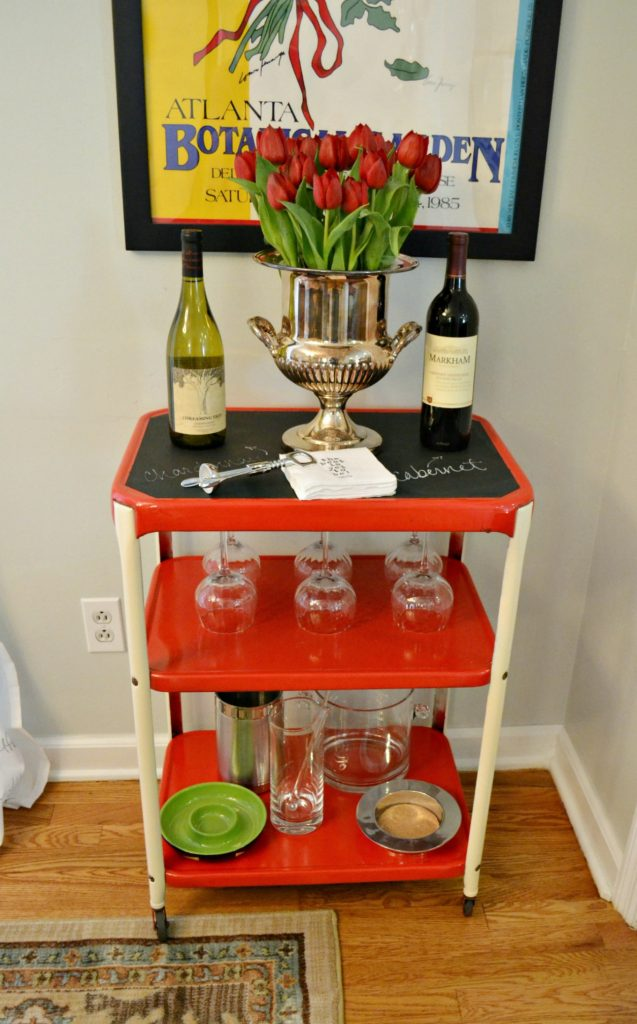 Things you can turn into a bar: Industrial kitchen cart into bar cart - thediybungalow.com