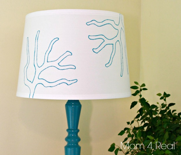 Mom4Real Stenciled Lamp Shade - five things to DIY with a sharpie - Dogs Don't Eat Pizza
