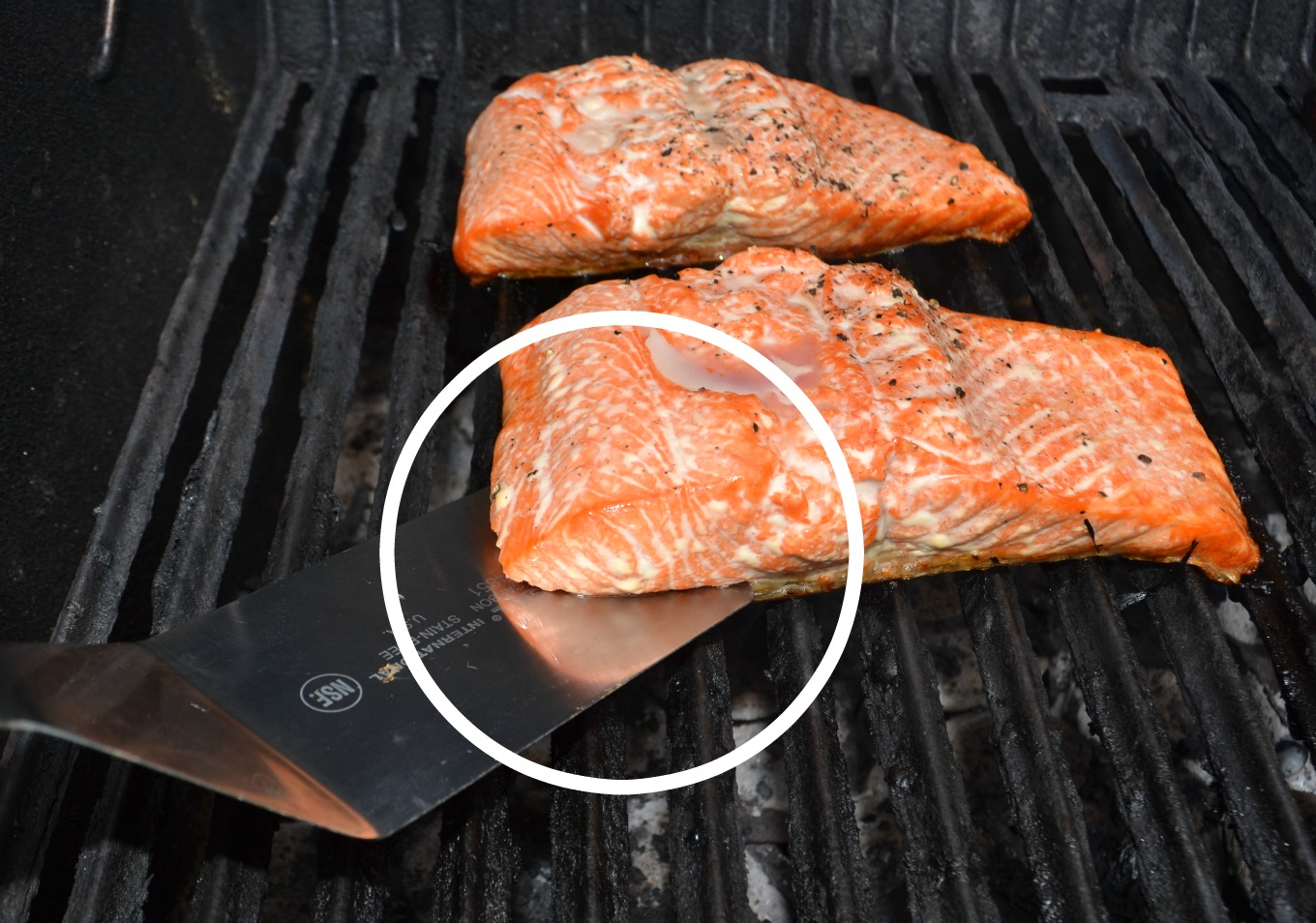 The trick for perfectly grilled salmon every time, one of my easy recipes for the grill - thediybungalow.com