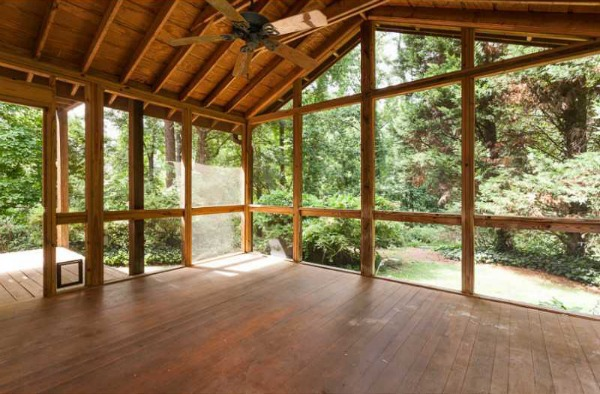 porch - how to clean a screened porch - Dogs-Don't-Eat-Pizza