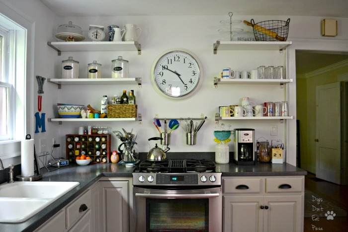 Renovated kitchen clean and organized - thediybungalow.com