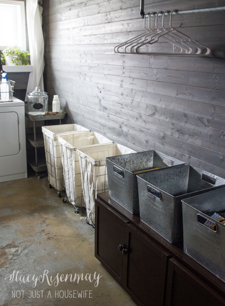 Industrial-style laundry sorters from Not Just a Housewife - thediybungalow.com