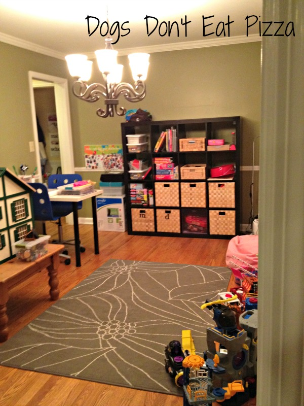 Solving issue when designing a dining room by turning it into a playroom for our kids - thediybungalow.com