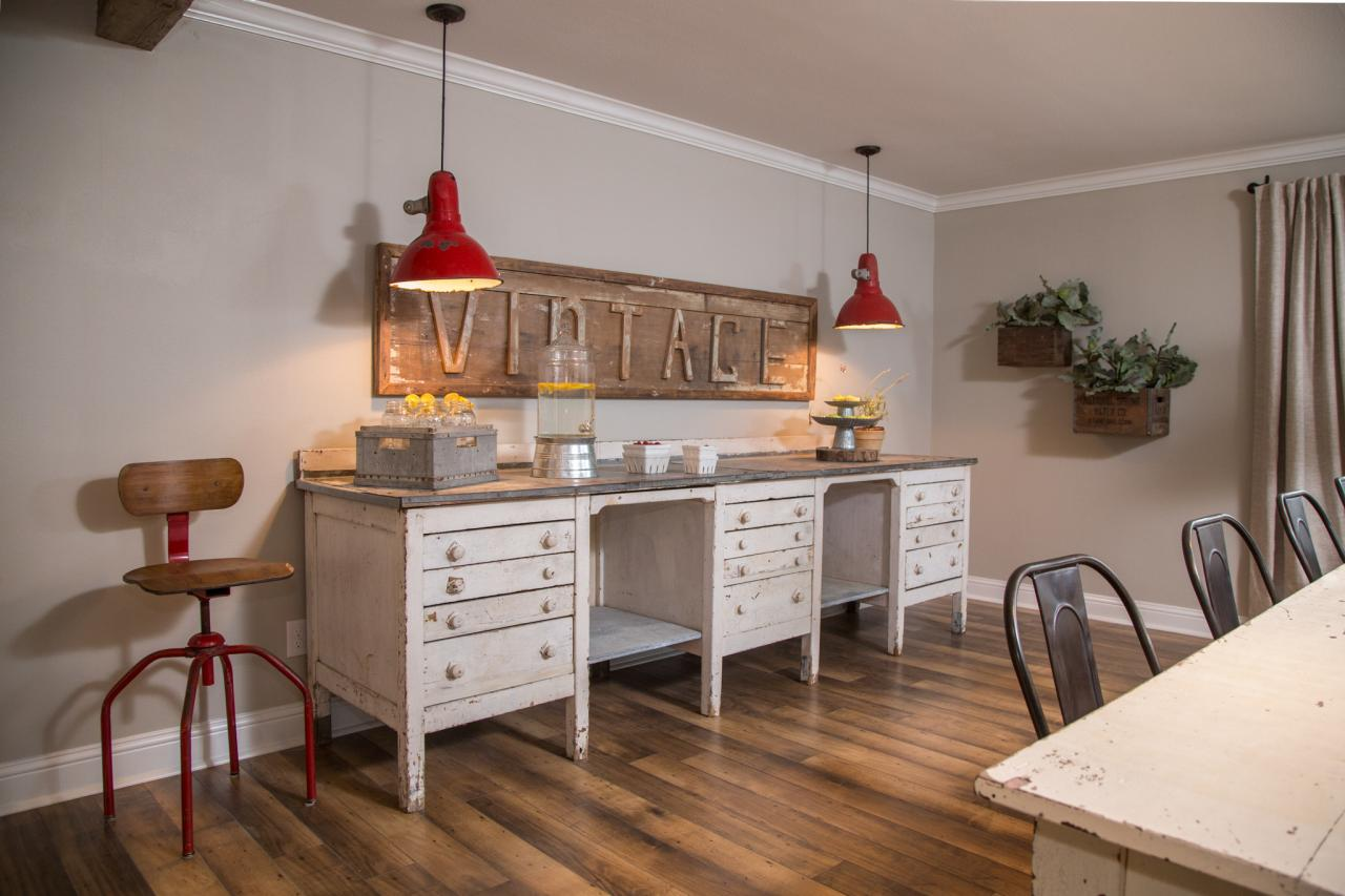 red vintage lighting - farmhouse style - Mohawk Homescapes