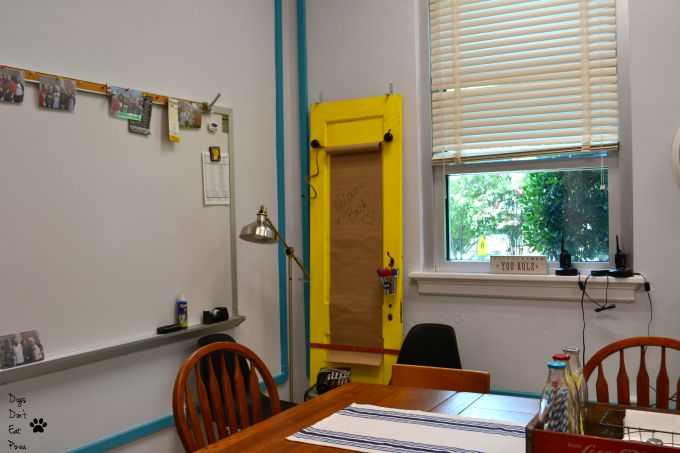 Telephone corner after the teachers' lounge renovation - thediybungalow.com