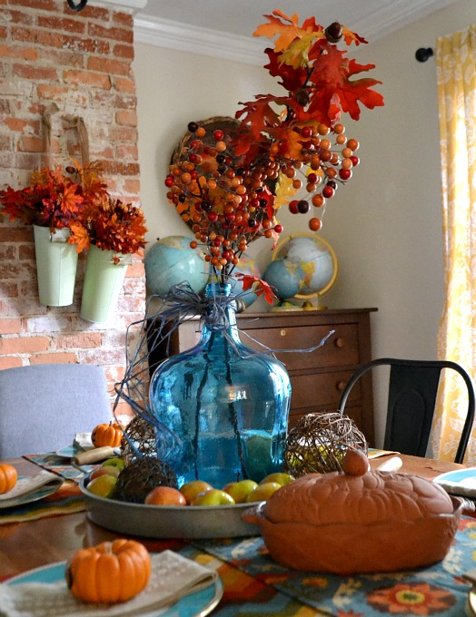 Dining room tablescape decorating for fall - thediybungalow.com