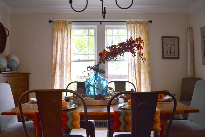 Decorating the dining room for fall on a budget - thediybungalow.com