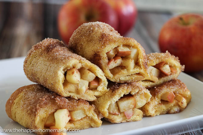 Easy-Apple-Pie-Roll-Ups from The Happier Homemaker- all things fall - Dogs Don't Eat Pizza
