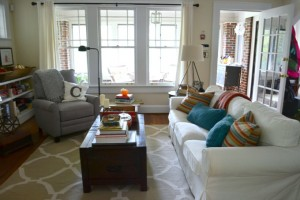 Living Room in fall - thediybungalow.com
