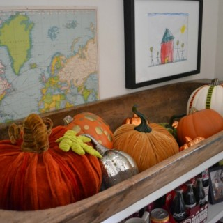 Decorating for fall in your home can be easy and done on a budget - dogsdonteatpizza.com