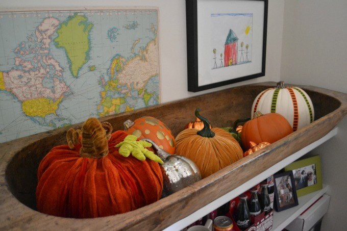 Pumpkins in dough bowl / Fall Home Tour / thediybungalow.com