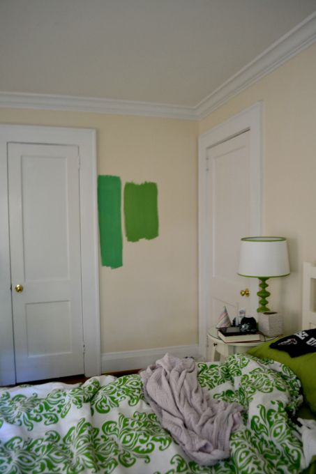 green paint choices - choosing paint color - Dogs Don't Eat Pizza