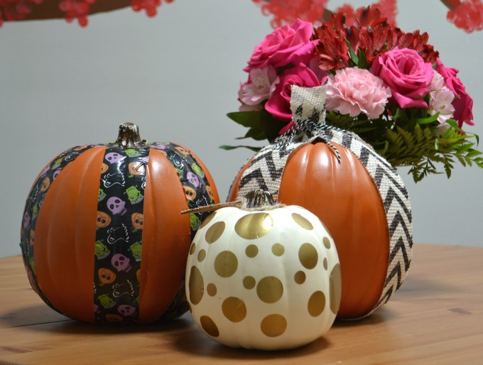 Decorate craft store pumpkins for Halloween / thediybungalow.com