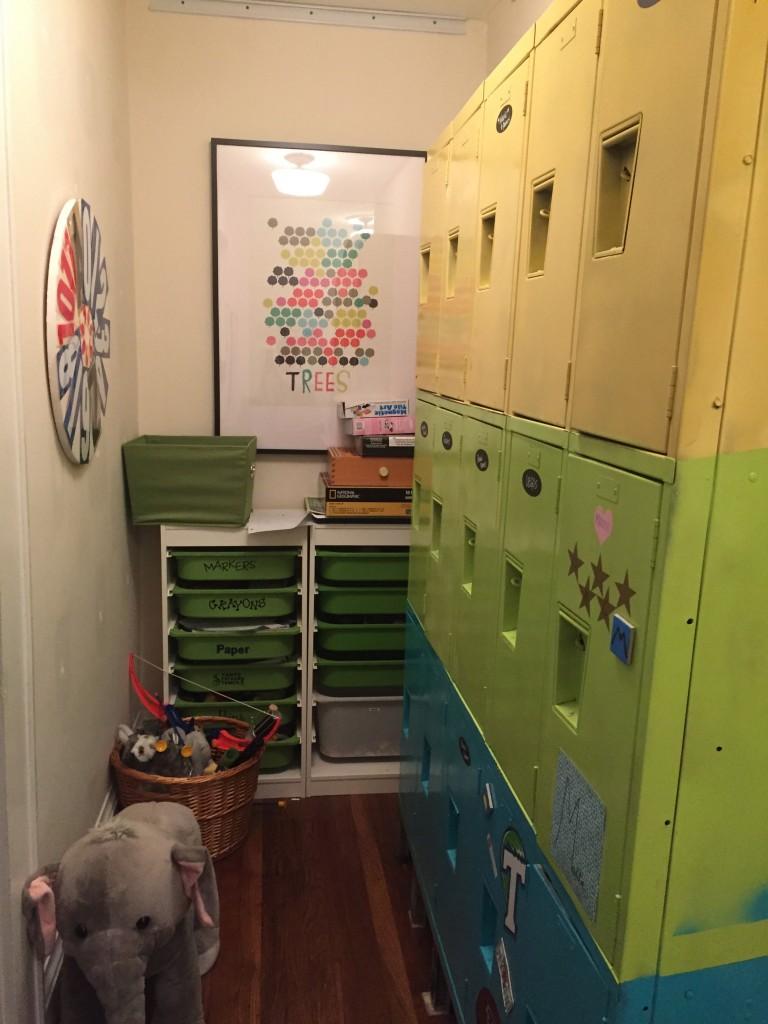 Kids' Hallway and Toy Storage - thediybungalow.com