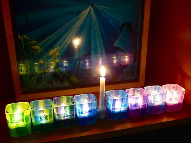 DIY Menorah with Mod Podge from CraftyPod - thediybungalow.com