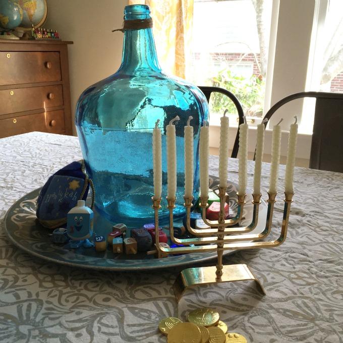 Hanukkah tablescape - thediybungalow.com