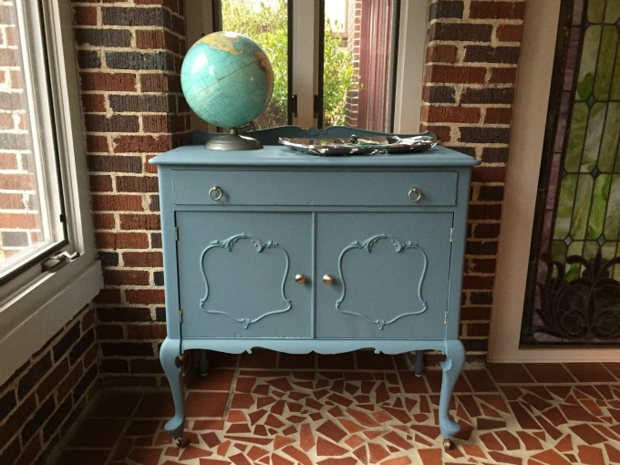 Vintage chest on front porch - fresh start with chalk style paint - thediybungalow.com