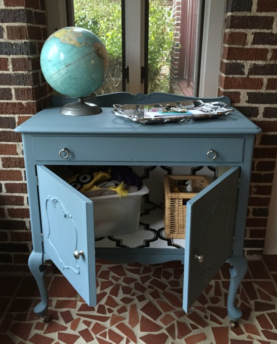 Vintage chest with chalk style paint - thediybungalow.com